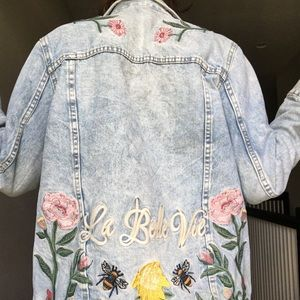 H&M EMBROIDERED JEAN JACKET